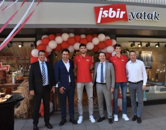 İşbir Yatak 197'nci mağazasını İzmir'de açtı