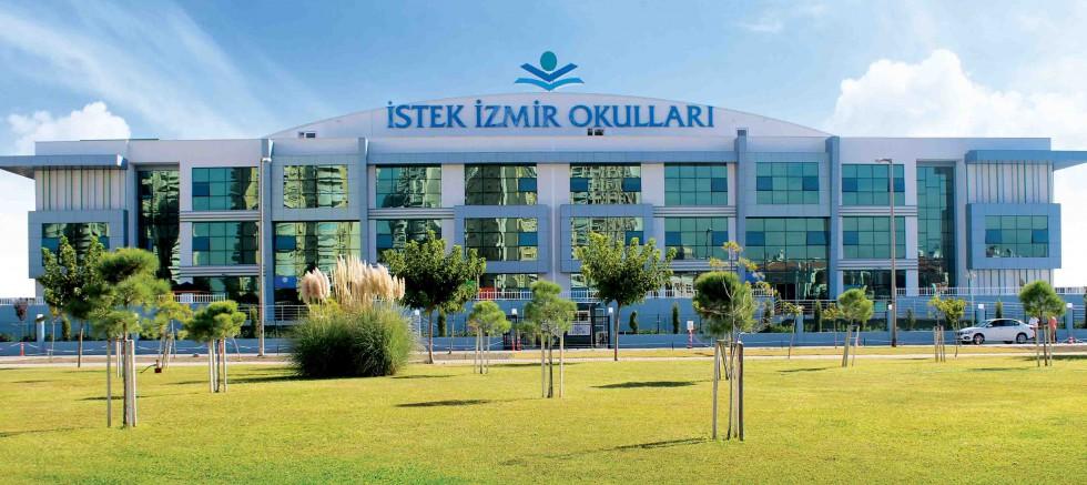 İstek İzmir Okulları Anadolu Lisesi kayıtları sürüyor