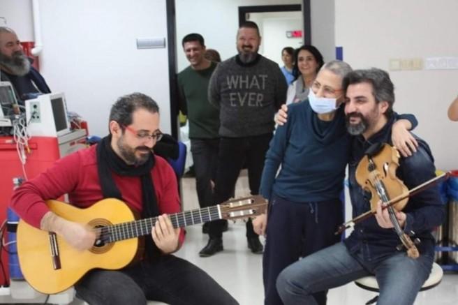 """İzmirli Müzisyen Dostlar """"Atatürk'ü Anma Gençlik ve Spor Bayramını"""" Coronavirüs günlerinde unutmadılar"""