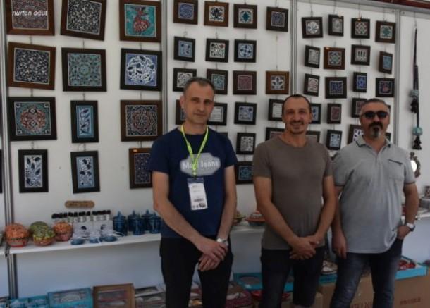 İzmirliler Kütahyalı 3 Çini Sanatçısını Sevdi