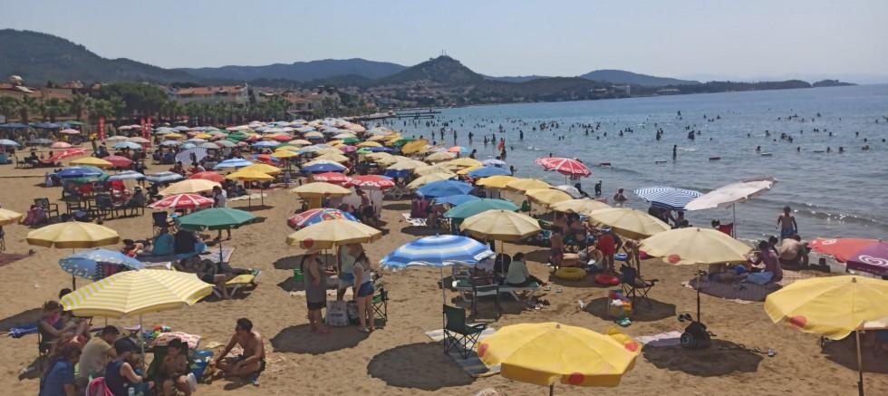 Menderes Tatilde Milyonları Ağırladı