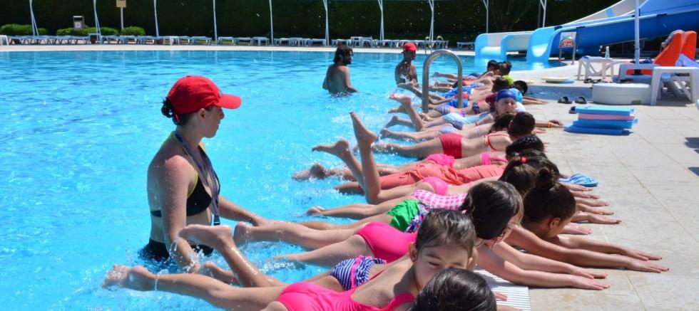 Torbalı'da Yüzme Kursları Başladı